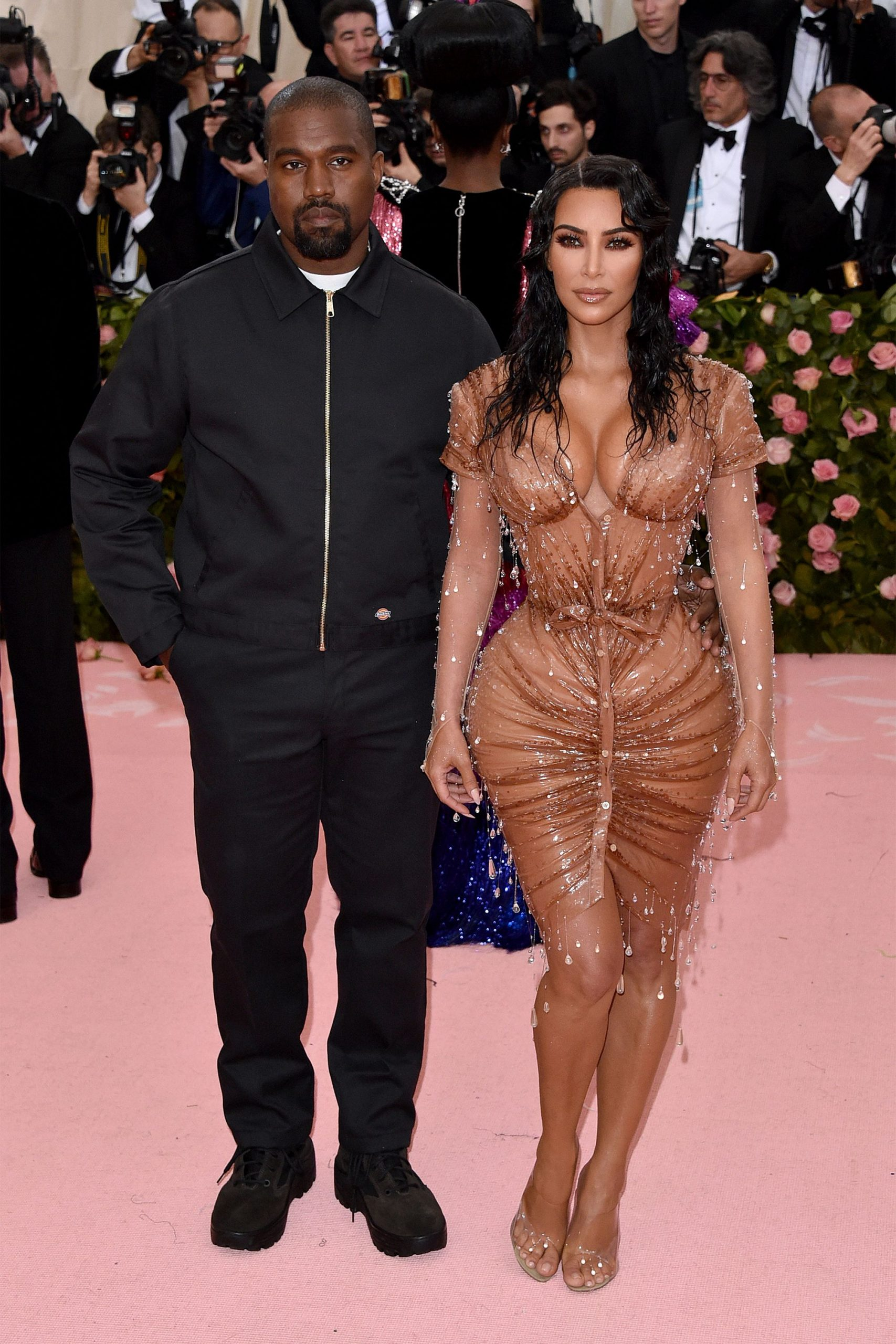 kanye-west-issues-an-apology-to-wife-kim-kardashian-over-recent-comments