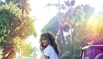 halle-berry-share-pic-in-swimwear-riding-skateboard-celebrating-her-54th-birthday