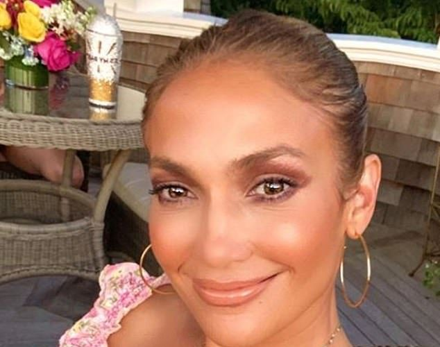 jennifer-lopez-hints-of-her-cosmetics-brand-launch-on-instagram-august-23-2020