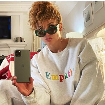 jennifer-lopez-fashion-style-on-instagram-august-2-2020