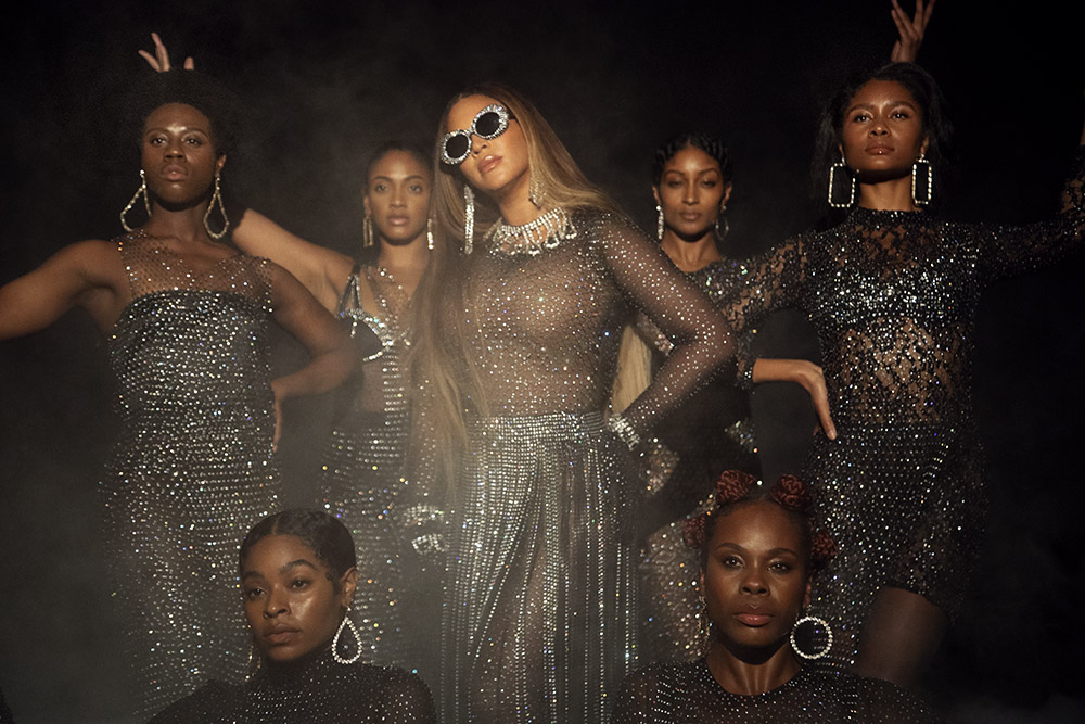 beyonce-in-d-bleu-dazzled-for-black-is-king