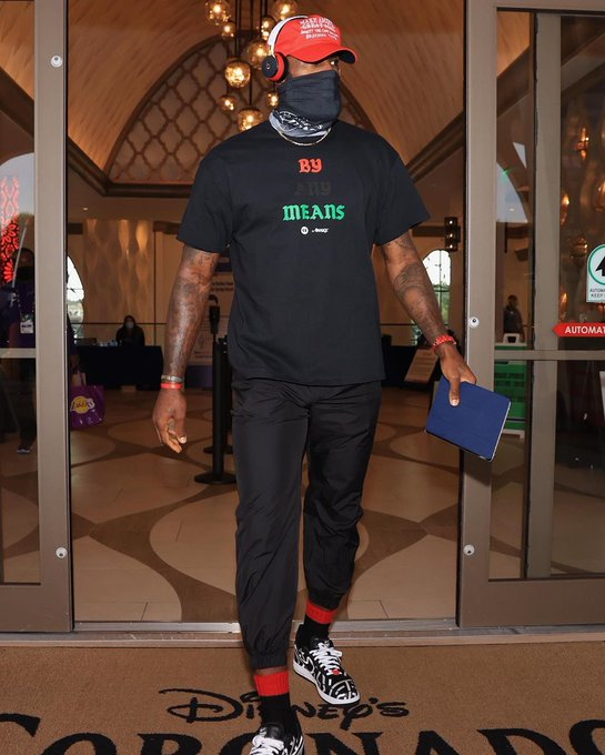 lebron-james-wore-a-customized-to-a-game-to-make-a-social-justice-statement