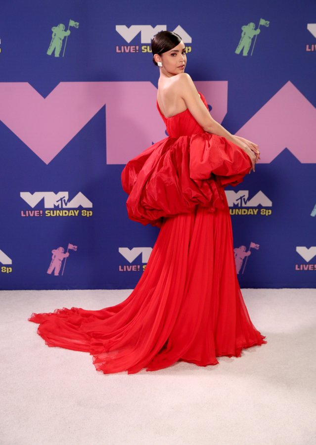 sofia-carson-in-giambattista-vall-mtv-video-music-awards-2020