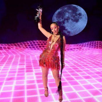 doja-cat-in-versace-the-2020-mtv-video-music-awards