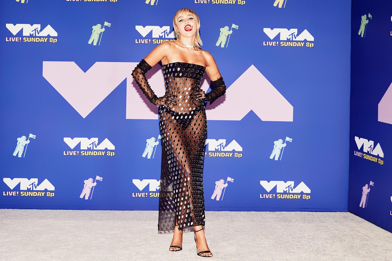 miley-cyrus-in-mugler-mtv-video-music-awards-2020