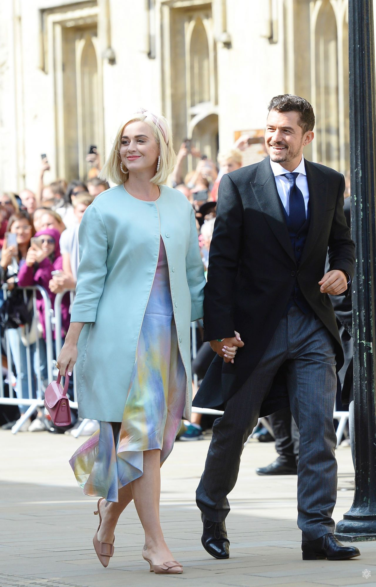 katy-perry-orlando-bloom-announced-the-birth-of-daughter-daisy-dove-bloom