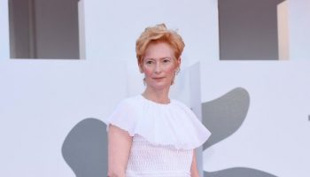 tilda-swinton-in-chanel-haute-couture-the-lacci-venice-film-festival-premiere-opening-ceremony