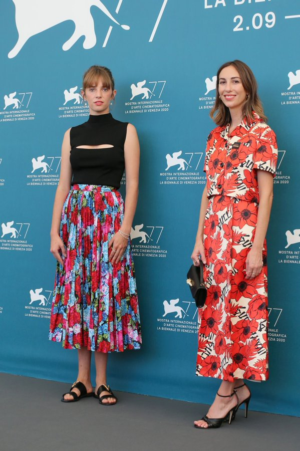 maya-hawke-gia-coppola-mainstream-the-77th-venice-film-festival-photocall