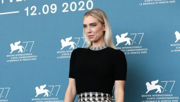 vanessa-kirby-in-fendi-the-world-to-come-photocall-at-the-77th-venice-film-festival