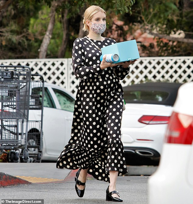 emma-roberts-in-hm-creped-dress-out-in-los-angeles-september-8-2020