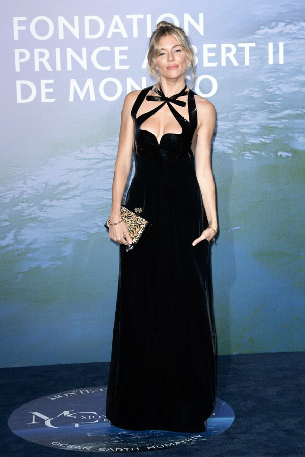 sienna-miller-in-gucci-2020-monte-carlo-gala-for-planetary-health