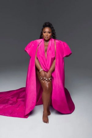 lizzo-in-moschino-couture-vogue-october-2020-issue-photographed-by-hype-williams-2