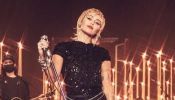 miley-cyrus-in-gucci-sequin-dress-bbc-radio-1-live-lounge-performance-september-1-2020