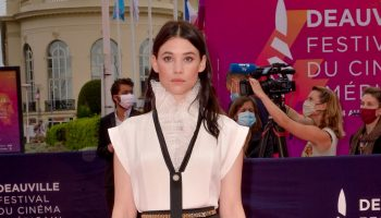 astrid-berges-frisbey-in-chanel-the-2020-deauville-american-film-festival-opening-ceremony