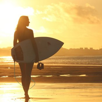 6-reasons-why-you-cant-just-wear-anything-when-you-surf