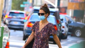 katie-holmes-in-ulla-johnson-floral-print-dress-in-new-york-city