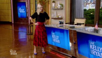 kelly-ripa-in-gucci-skirt-live-with-kelly-ryan