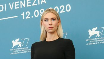 vanessa-kirby-in-valentino-the-pieces-of-a-woman-venice-film-festival-photocall