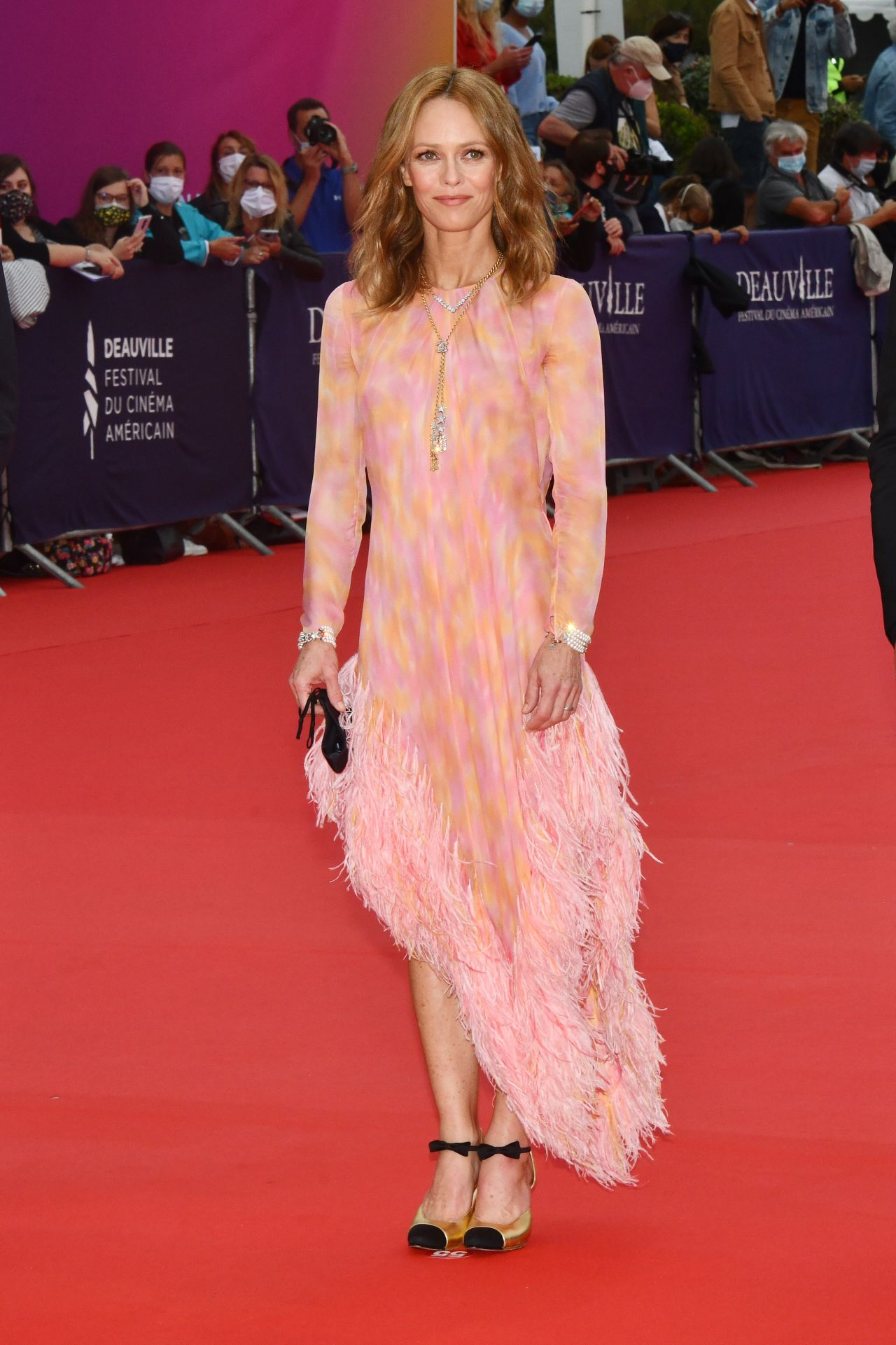 vanessa-paradis-in-chanel-the-deauville-american-film-festival-opening-ceremony
