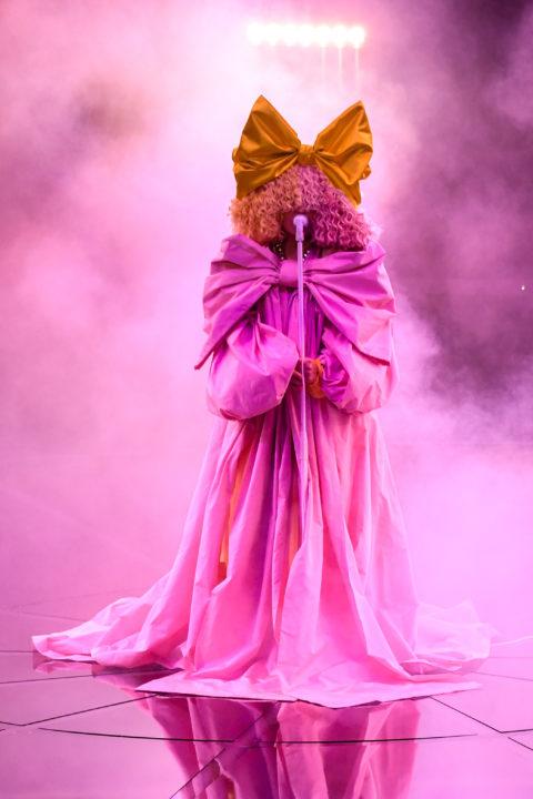 sia-performs-courage-to-change-wearing-dolce-gabbana-alta-moda-the-2020-billboard-music-awards
