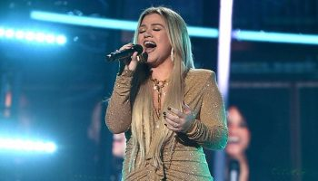 kelly-clarkson-in-alexander-vauthier-hosting-the-2020-billboard-music-awards