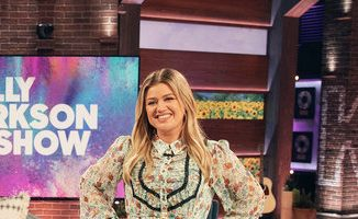kelly-clarkson-in-topshop-dress-the-kelly-clarkson-show-october-26-2020