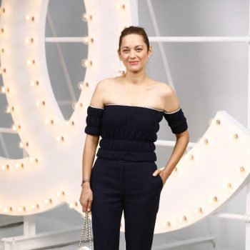 marion-cotillard-in-chanel-chanel-spring-summer-2021-fashion-show-in-paris