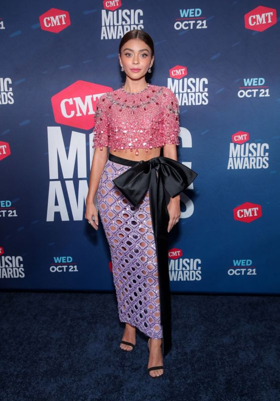 sarah-hyland-in-georges-hobeika-couture-co-hosting-the-2020-cmt-music-awards