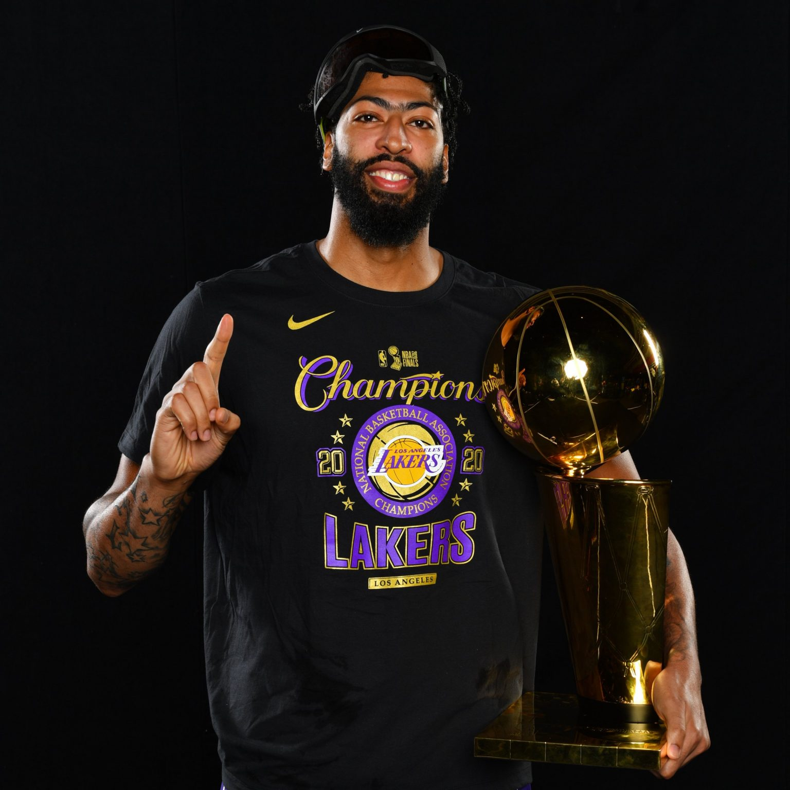 anthony-davis-wins-first-nba-championship-with-the-lakers