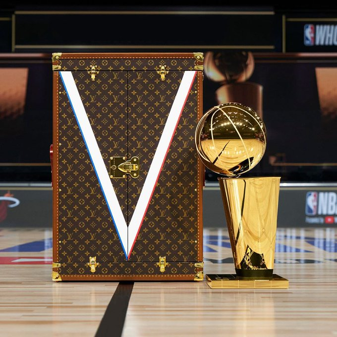 louis-vuitton-delivers-2020-nba-finals-trophy-in-bespoke-travel-case-to-lakers