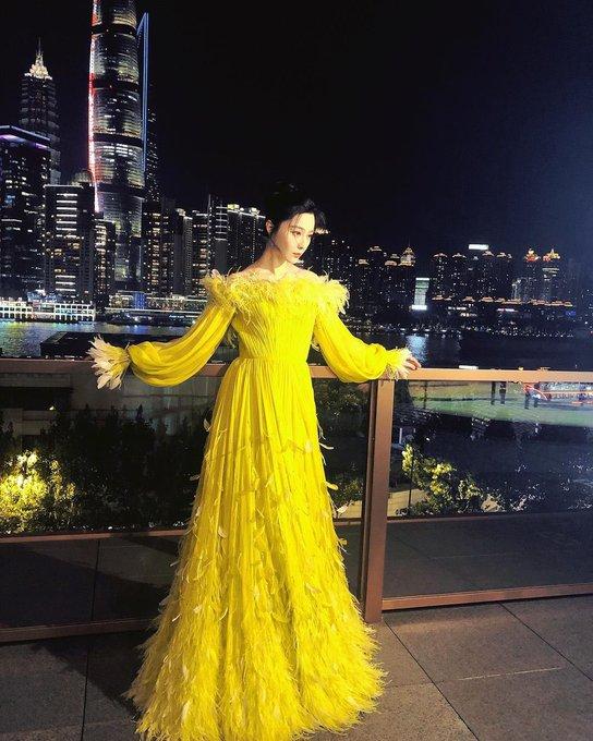 fan-bingbing-in-ralph-russo-guerlain-art-exhibition-dinner-in-shanghai