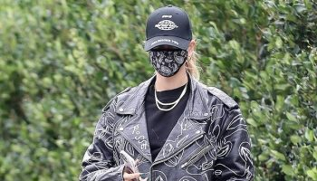 hailey-bieber-in-alexander-wang-sweats-out-in-los-angeles