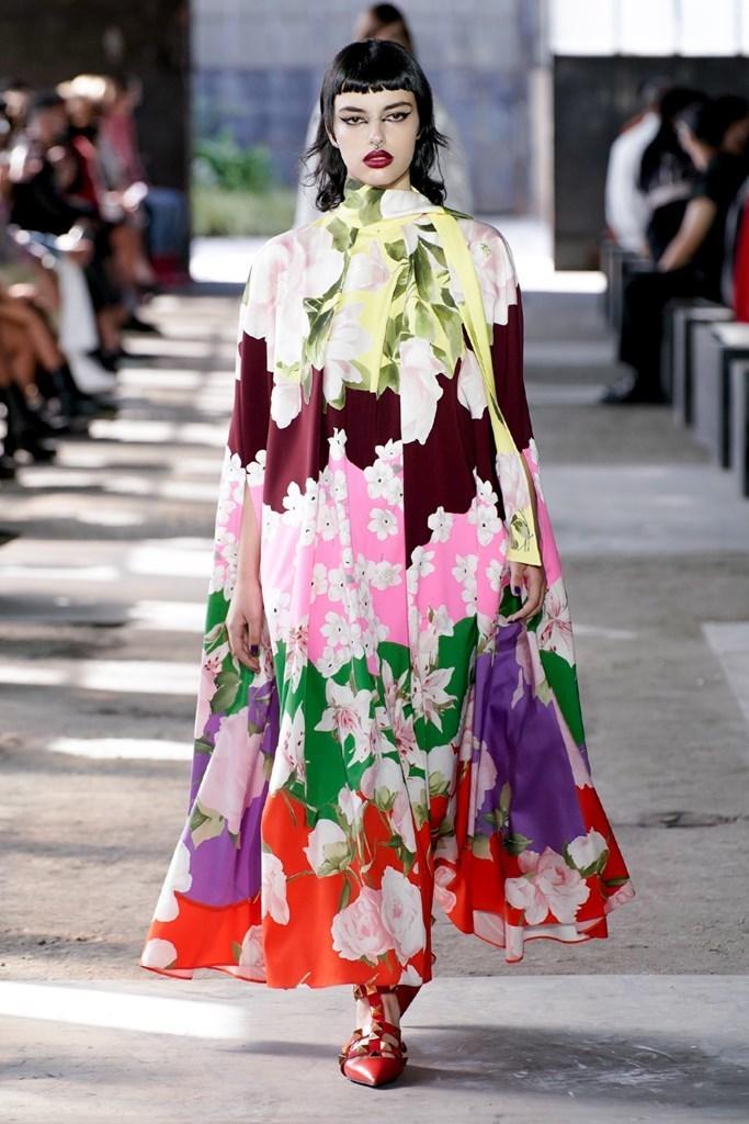 valentino-spring-summer-2021-womenswear