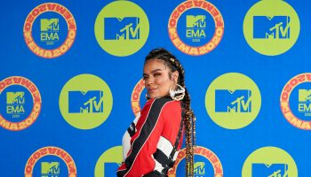 karol-g-in-moschino-the-2020-mtv-emas