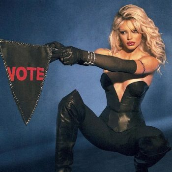 kendall-jenner-as-pamela-anderson-from-barb-wire-for-halloween
