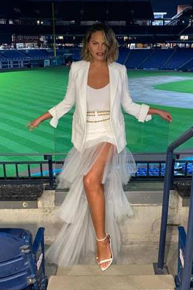 chrissy-teigen-in-georges-chakra-couture-the-biden-pennsylvania-rally