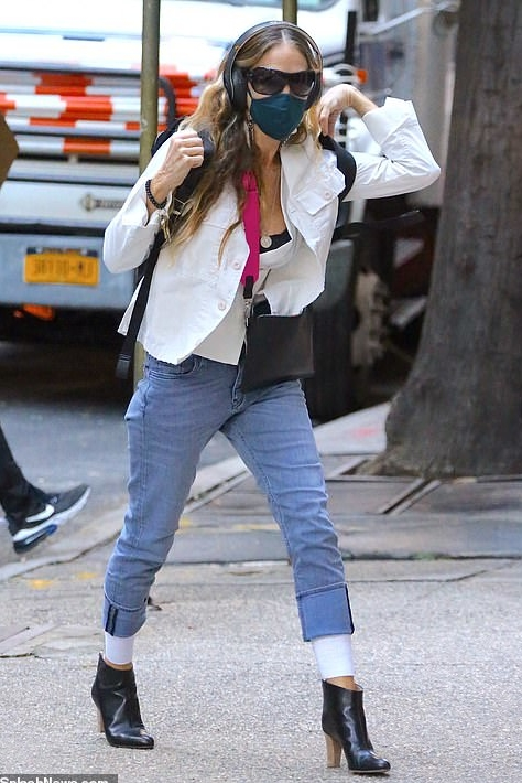 sarah-jessica-parker-out-in-new-york-city-november-4-2020