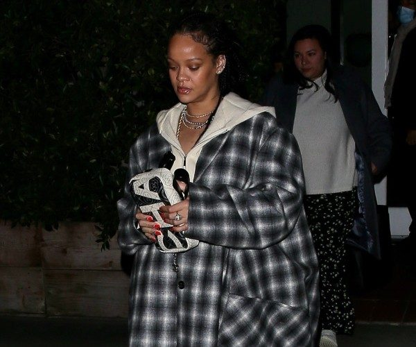 rihanna-in-plaid-nina-ricci-coat-out-in-new-york-city-november-12-2020