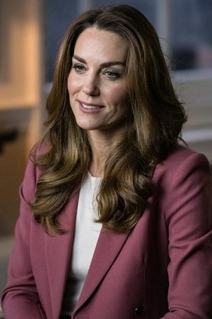kate-middleton-wore-marks-spencer-suit-for-early-years-study