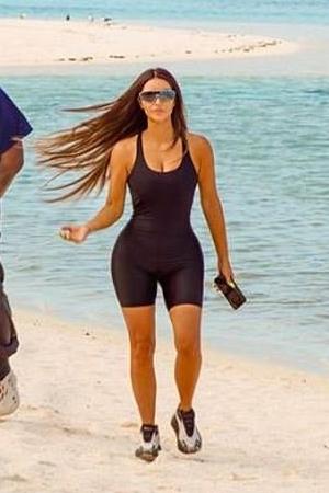 kim-kardashian-rocking-skims-bodysuit-on-beach-celebrating-her-40th-birthday