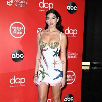 dua-lipa-wins-favorite-pop-rock-2020-american-music-awards