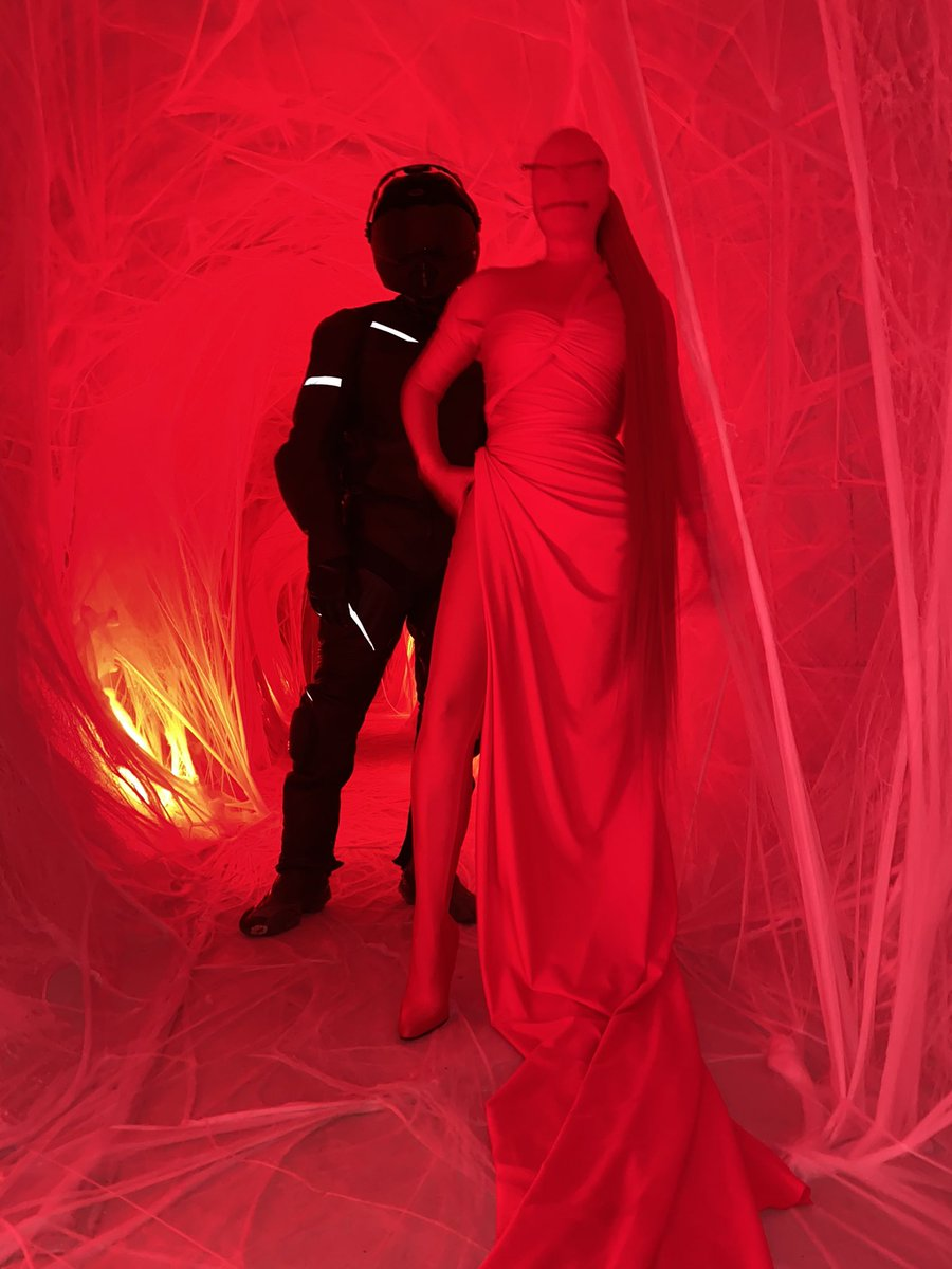 kim-kardashian-dressed-as-a-red-alien-r-kendall-jenners-birthday-party