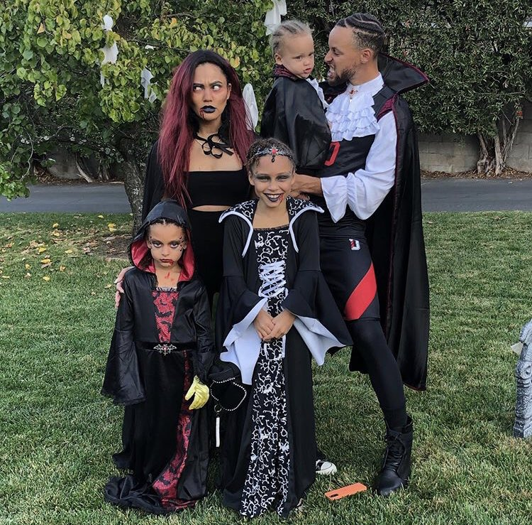 the-curry-family-halloween-2020