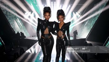 chloe-x-halle-wears-rey-ortiz-performing-ungodly-hour-at-peoples-choice-awards