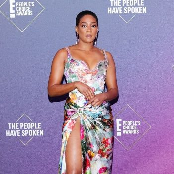 tiffany-haddish-in-prabal-gurung-e-peoples-choice-awards-2020