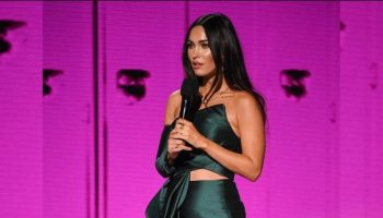 megan-fox-in-azzi-osta-2020-amas