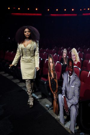 taraji-p-henson-in-patrick-kelly-dress-hosting-2020-amas