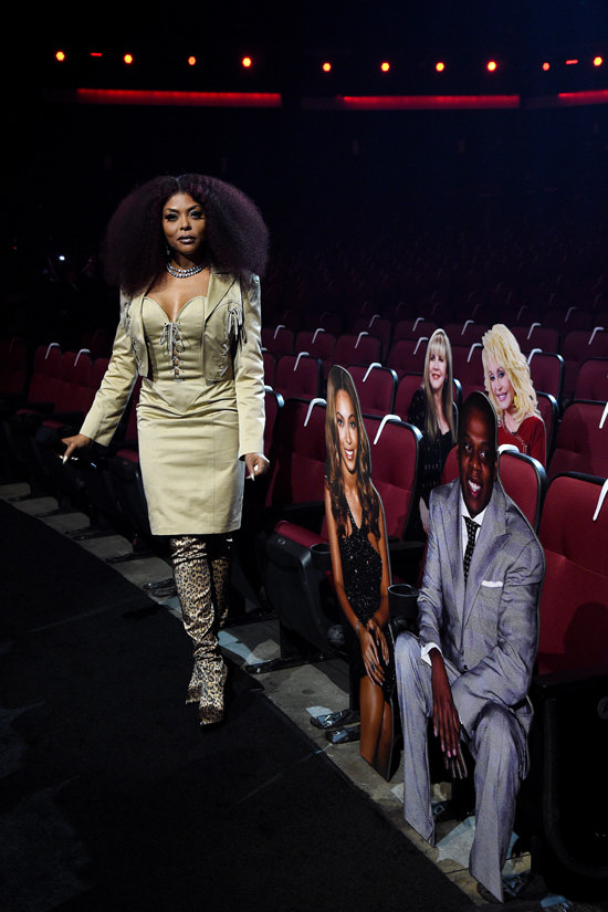 taraji-p-henson-in-patrick-kelly-dress-hosting-2020-amas