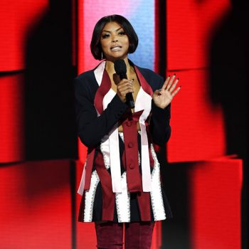 taraji-p-henson-in-color-block-design-hosting-2020-amas