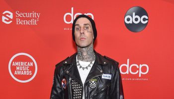 travis-barker-2020-american-music-awards